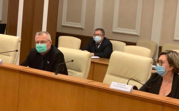 Медицинская Палата Свердловской области предлагает внести поправки в федеральный закон для защиты прав медработников