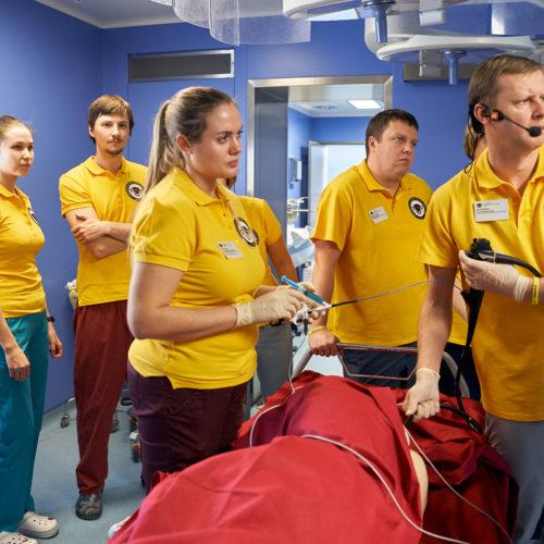 Начинаются стажировки на рабочем месте для хирургов
